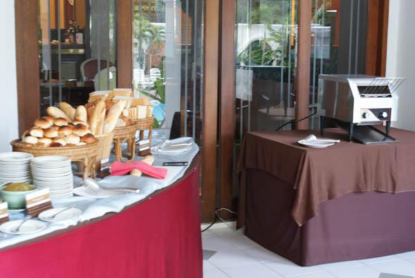 Завтрак в Grand Sole 3